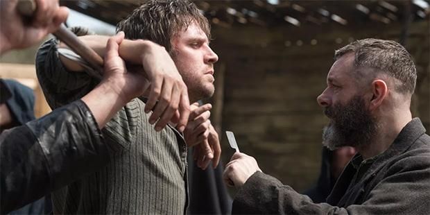 apostol, dan stevens, violencia