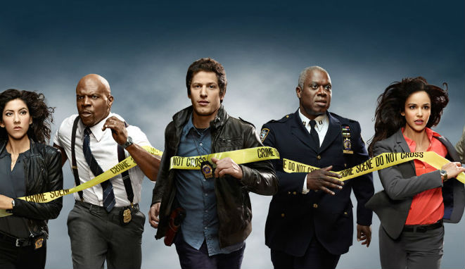 Stephanie Beatriz (Rosa), Terry Crews (Terry), Andy Samberg (Jake), Abdré Braugher (Raymond Holt) y Melissa Fumero (Amy), brooklyn precinto 99, netflix