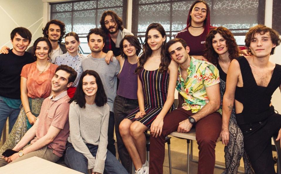 transgéneros, bullying, hackeo, Ana Valeria Becerril, Zión Moreno, suspenso, adolescente, española, control z