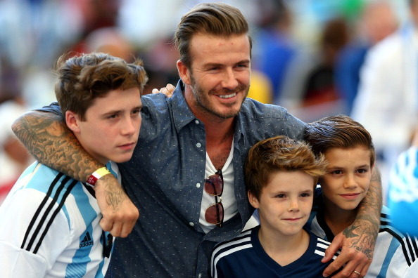 David Beckham y sus hijos Brooklyn, Romeo y Cruz