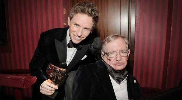 """Eddie Redmayne interpreta a Stephen Hawking en """"La teoría del todo"""", netflix, pelicula"""