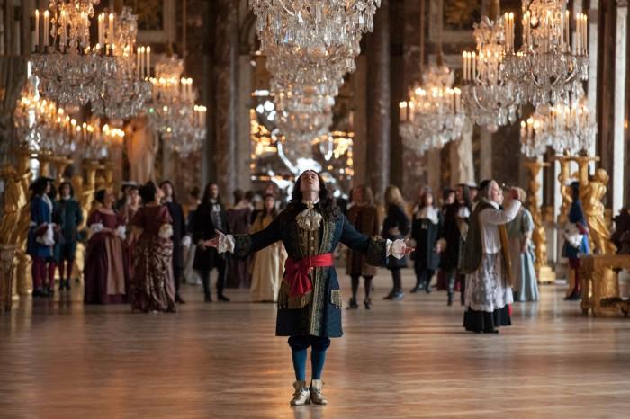 George Bladen en la Galería de los Espejos de Versalles