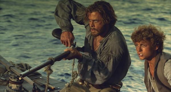 Chris Hemsworth , Tom Holland, en el centro del mar, ron howard, netflix