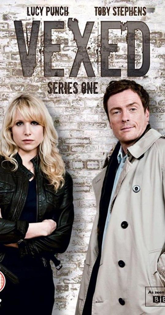 Lucy Punch y Toby Stephens en la primera temporada