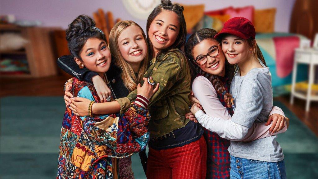 Momona Tamada, Shay Rudolph), Claudia Kishi, Mary Anne Spier y Sophie Grace , El Club de  las Niñeras, netflix