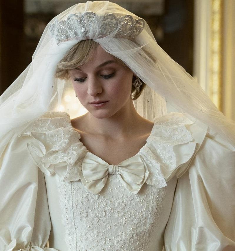 "Emma Corrin , ""The Crown"""